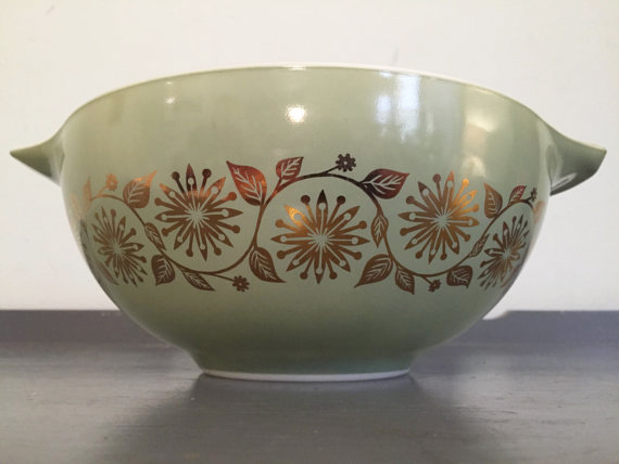 Medallion Pattern Pyrex Cinderella Mixing Bowl / By HobAndNail on Etsy