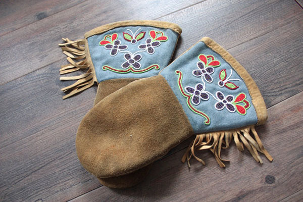 Embroidered and Beaded Suede Leather Mittens by PineCoastSalvage on Etsy.