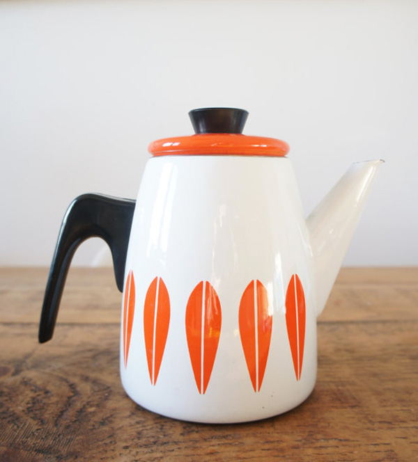 Vintage Catherine Holm enamelware teapot offered by MadameMagpieVintage on Etsy.