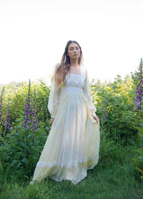 Butttercup yellow Gunne Sax gown offered by SurfandtheCity on Etsy.
