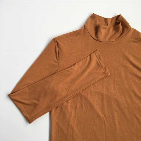 The Nikko turtleneck by Kelli Ward of True Bias. Read the interview with Kelli on differentdrum.blog.